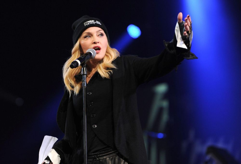 20140602-pictures-madonna-amnesty-international-concert-nyc-24