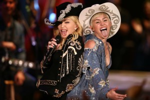 miley-madonna-full